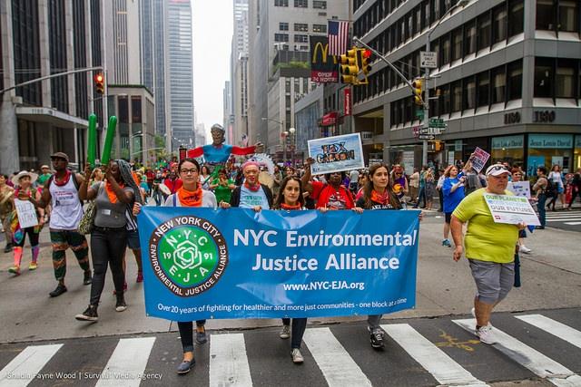 Багатотисячний нью-йоркський марш проти зміни клімату не став топ-подією для американських телеканалів