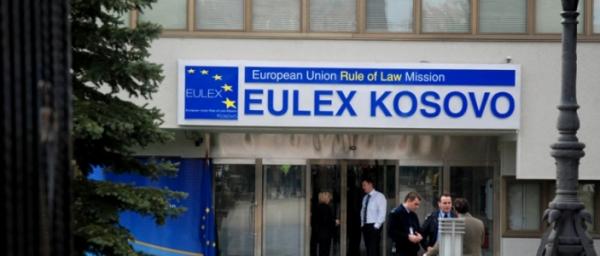 У Косово журналісту-розслідувачу погрожують єврочиновники