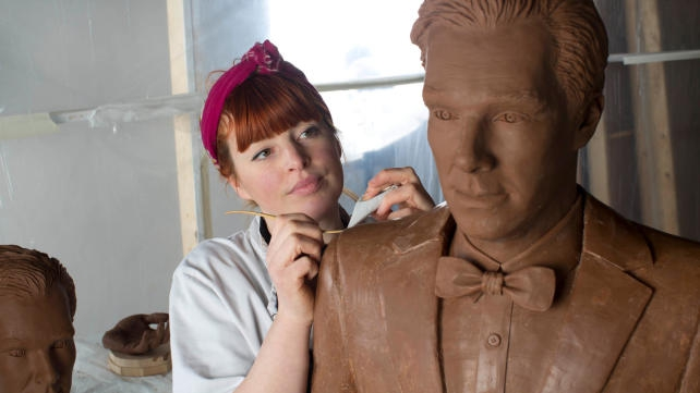 Британська телемережа виліпила шоколадну скульптуру Бенедикта Камбербетча