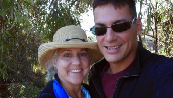 Мама журналіста просила викрадачів дозволити їй поговорити з сином