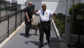 Невідомі намагалися зірвали брифінг для журналістів у Білому домі, повідомивши про мінування