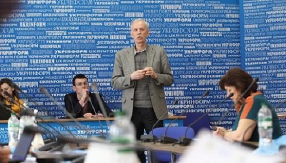 Євген Якунов: Нас обмежують нав'язані думки-віруси — на кшталт «в уряді всі крадуть»