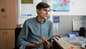 Володимир Рунець: «Я не бачу сенсу їздити в багажнику й нелегально знімати те, що буде на користь Україні»