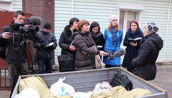 Експерти фундації Thomson навчають українських журналістів  створювати якісні телесюжети про переселенців