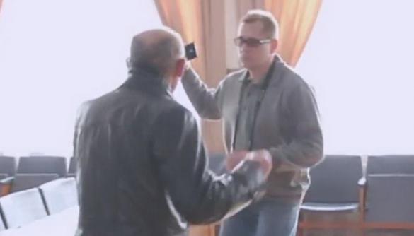 У Херсоні під час публічних слухань відбувся напад на журналіста
