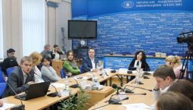 Українські ЗМІ забули про переселенців, волонтерів та людей «по той бік»