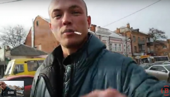 У Полтаві реалізатори ялинок перешкоджали роботі журналістки «ВПолтаві.Info»