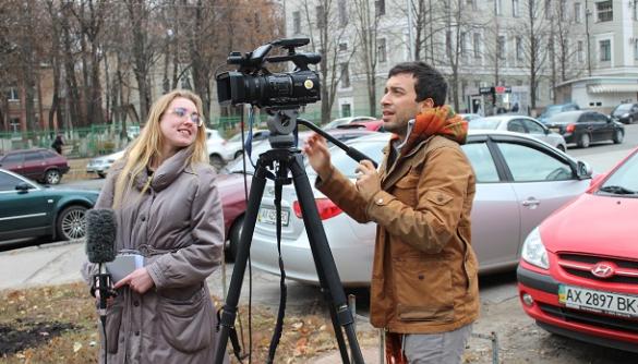 """«Робота з новинами — не привід для """"ледачого"""" монтажу» — поради телеоператорів із міжнародним досвідом"""