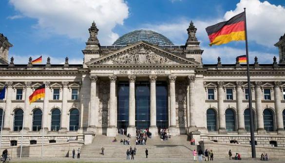 У німецькому парламенті закликали ввести санкції проти Польщі через медійний закон