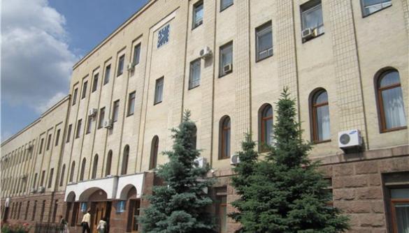 Кіровоградські журналісти сумніваються у законності введення владою пропускного режиму для ЗМІ