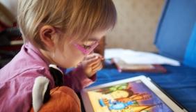 Діти в Британії обирають онлайн, а не ТБ