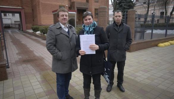 У Мінську майже 200 журналістів вимагають від влади відреагувати на побиття колеги