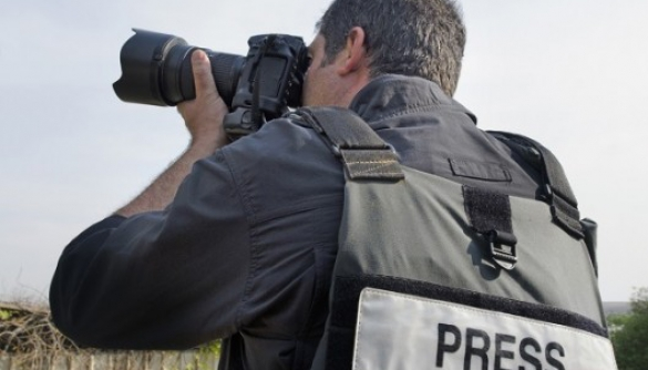 Coverage of the conflict in the east by Ukrainian media: study of journalists' values, attitudes and practices (research findings)