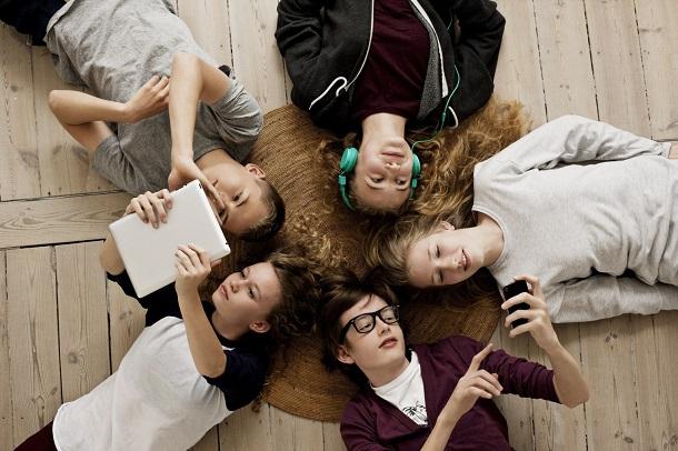 Життя заради лайків: як підлітки шліфують реальність у соцмережах