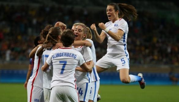 Жіночі футбольні команди на Олімпійських іграх фанати зустріли гомофобними вигуками