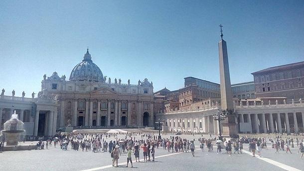 Стажування на Radio Vaticana: останній рік перед закриттям