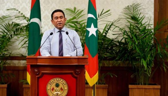 Влада Мальдівів провела обшук в газеті через фільм про корумпованого президента