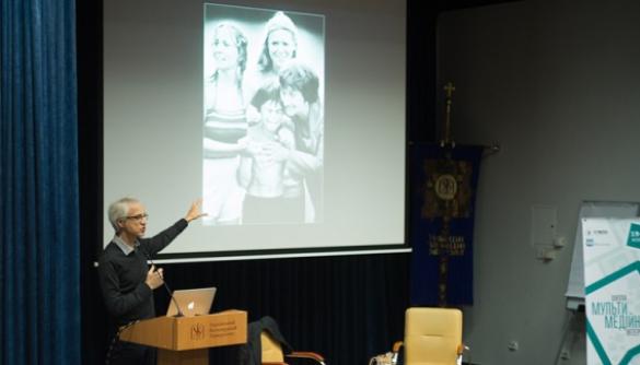 Лауреат Пулітцерівської премії Деніс Чемберлін: «Пафос краще виражається у фото, а логос — у тексті»