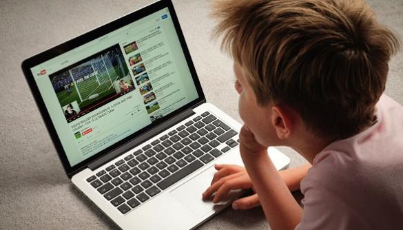 Майже 75% британських дітей хочуть стати відеоблогерами - дослідження