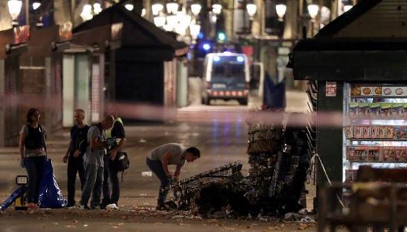 Сервіс Airbnb попросив своїх користувачів надати притулок в Барселоні тим, хто постраждав від теракту