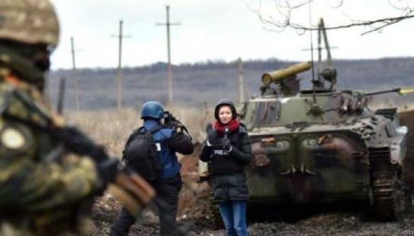 ОБСЄ проведе чотири психологічні тренінги для журналістів, які працюють у зоні бойових дій