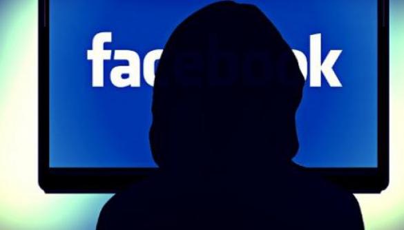 Facebook просить користувачів надсилати свої оголені знімки для боротьби з порнопомстою