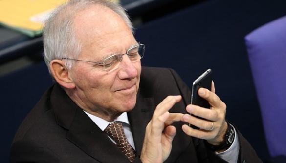 Спікер Бундестагу просить німецьких депутатів не твітити з засідань