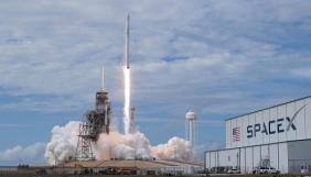 Space X втретє перенесла запуск своїх спутників для роздачі інтернету