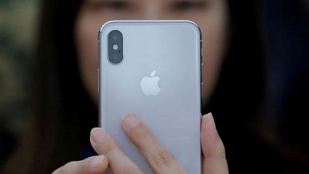Apple планує випустити три нових iPhone в 2018 році