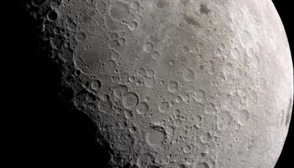 Вчені знайшли 6000 нових кратерів на Місяці завдяки штучному інтелекту