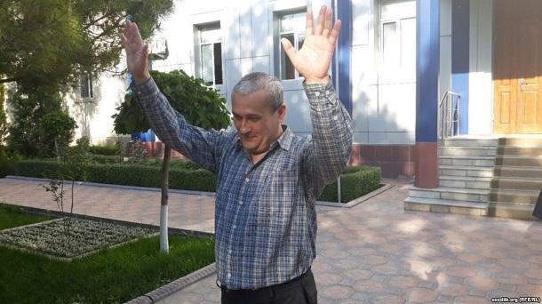 В Узбекистані звільнили з-під варти журналіста, звинуваченого в закликах скинути владу