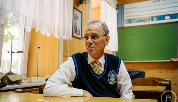 Одеський вчитель фізики знімає свої уроки на відео – у його Youtube-каналу вже 67 тисяч підписників