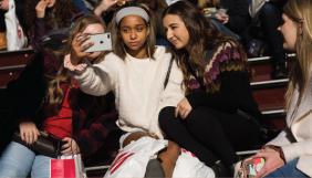 45% американських підлітків майже постійно перебувають онлайн – опитування