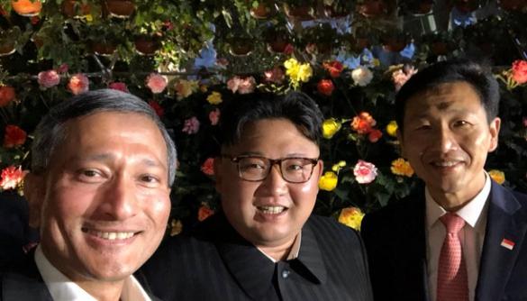 Кім Чен Ин виклав у мережу перше публічне селфі