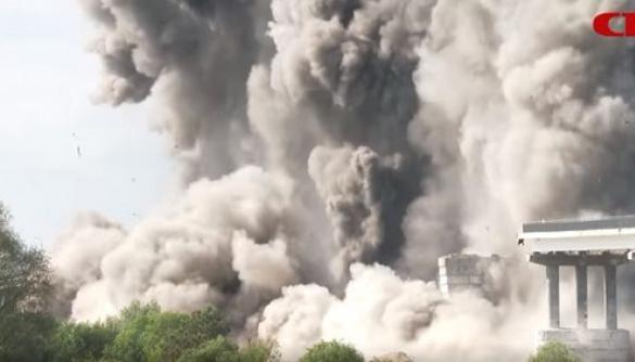 Російські літаки розбомбили міст у Білорусі. Насправді ні