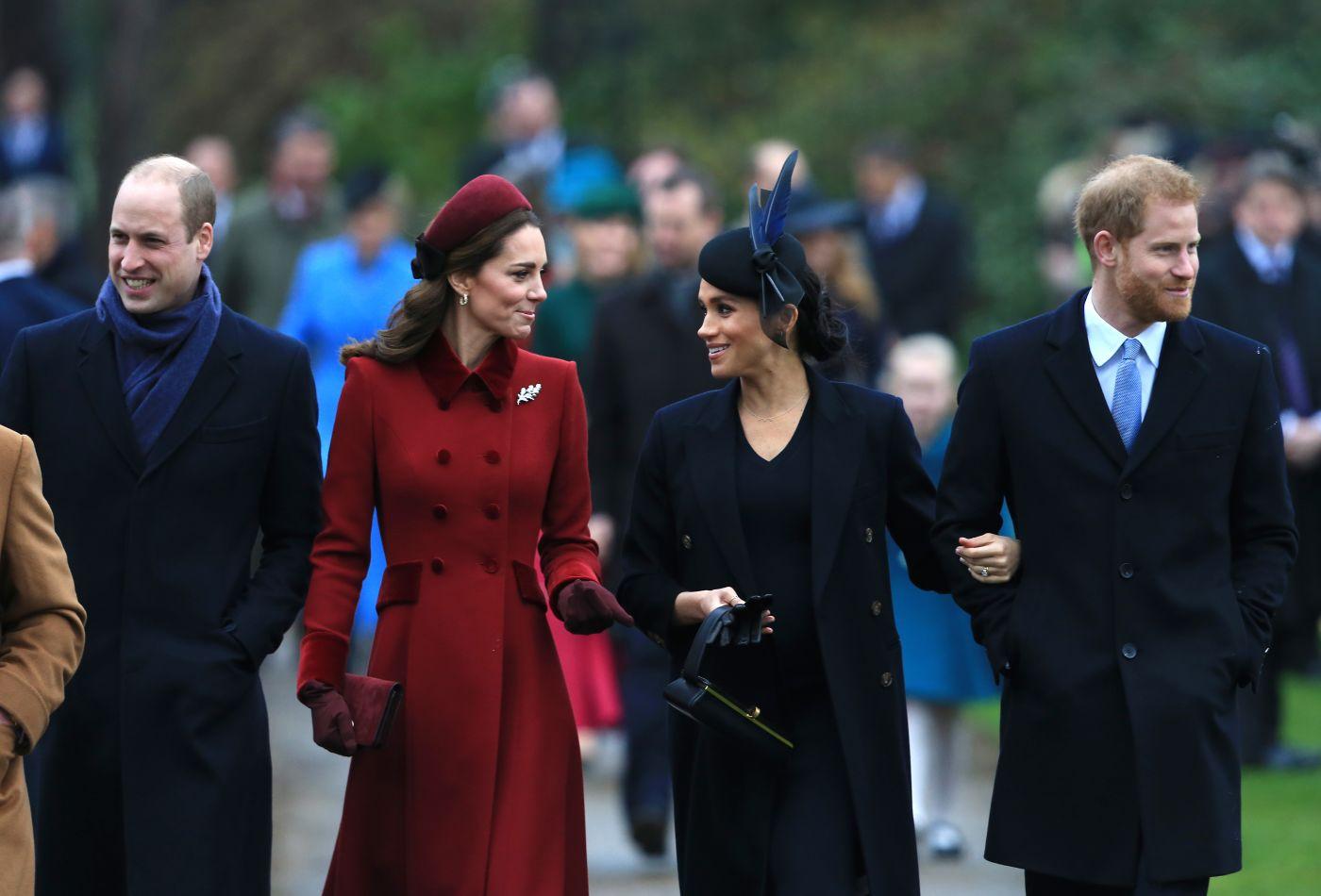 Британська королівська родина блокуватиме коментаторів через образи у бік Меган Маркл та Кейт Міддлтон