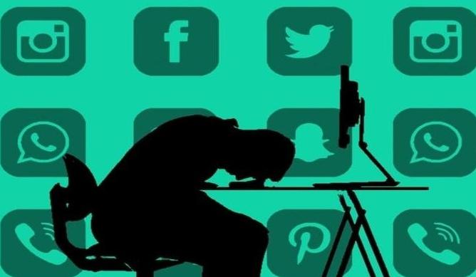 Негативы соцмедиа