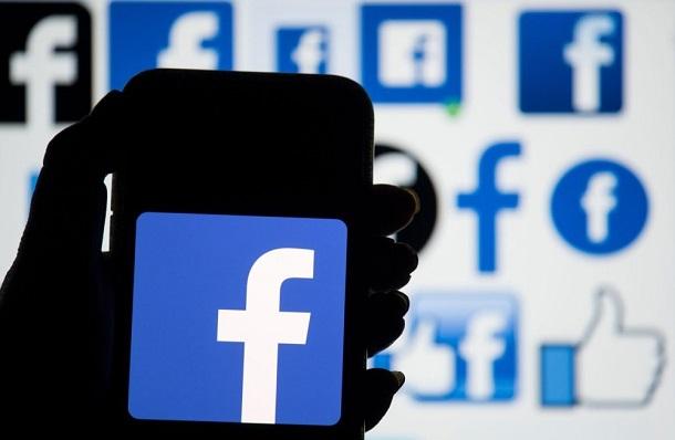 У роботі Facebook стався черговий збій