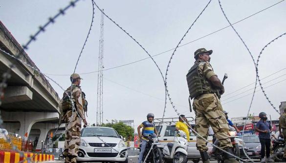 У спірному штаті Індії вимкнули інтернет та мобільний зв'язок. CPJ обурений