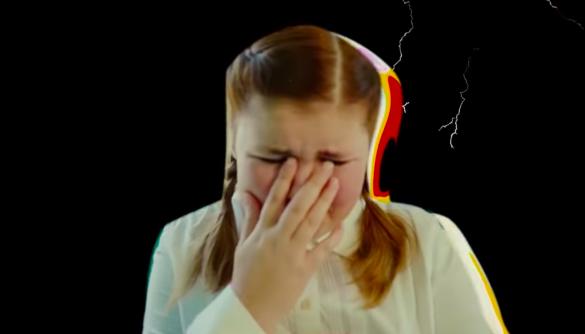 Реперка alyona alyona випустила кліп про проблему булінгу