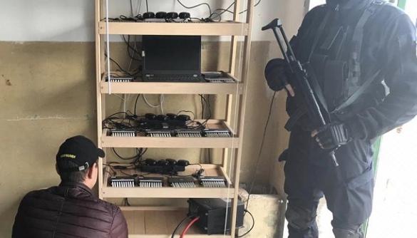 Кіберполіція викрила масштабний сервіс зі створення ботоферм