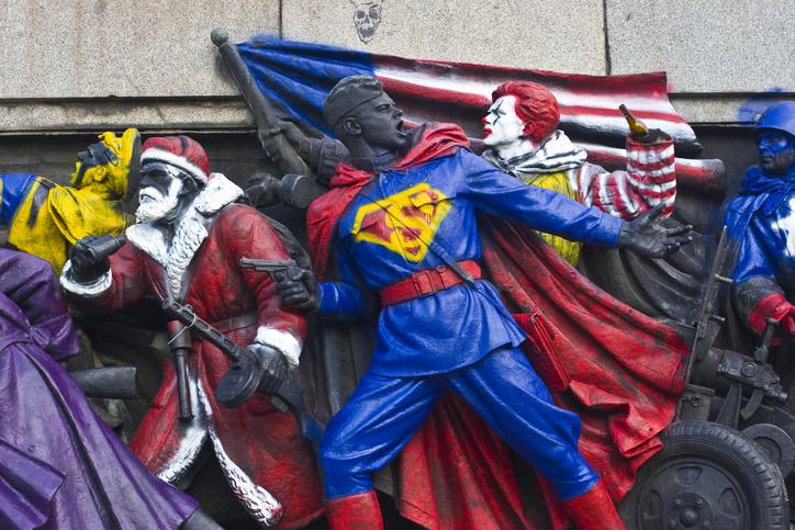 Комиксы и телесериалы как инструкции по массовому поведению
