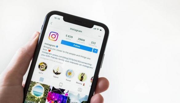 Instagram розширила блокування контенту про самогубства і каліцтво — The Guardian