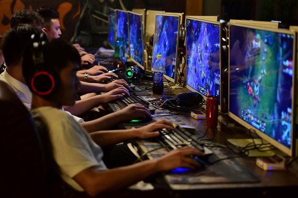 Влада Китаю заборонила підліткам грати у відеоігри ночами
