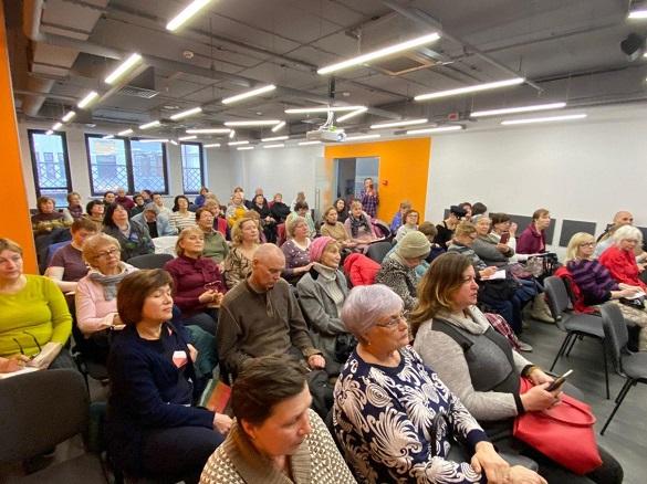 Киян-пенсіонерів навчатимуть, як користуватись міськими онлайн-сервісами