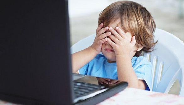 Мінцифри випустило соціальну рекламу про захист дітей в мережі