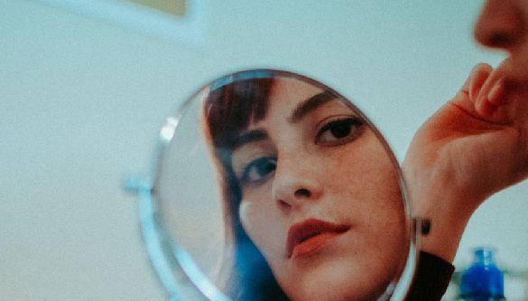 Блогери стають для нас «дзеркалом себе». Психолог Магдалина Пахолок — про відвертість у соцмережах