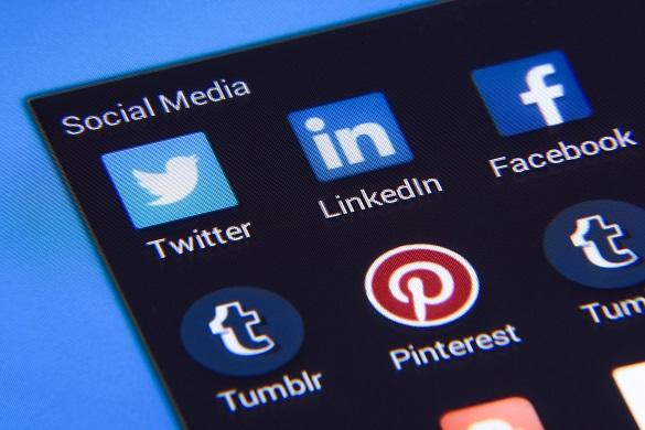 За місяць у Facebook виявили понад 40 мільйонів постів з фейками про COVID-19