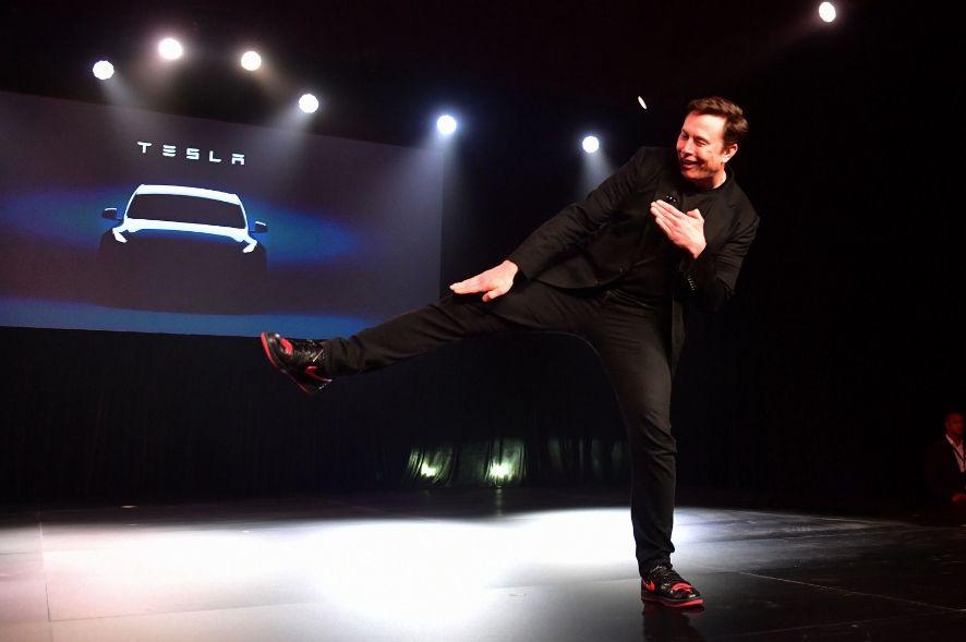 Вартість компанії Tesla впала на 14 млрд доларів через один твіт Ілона Маска