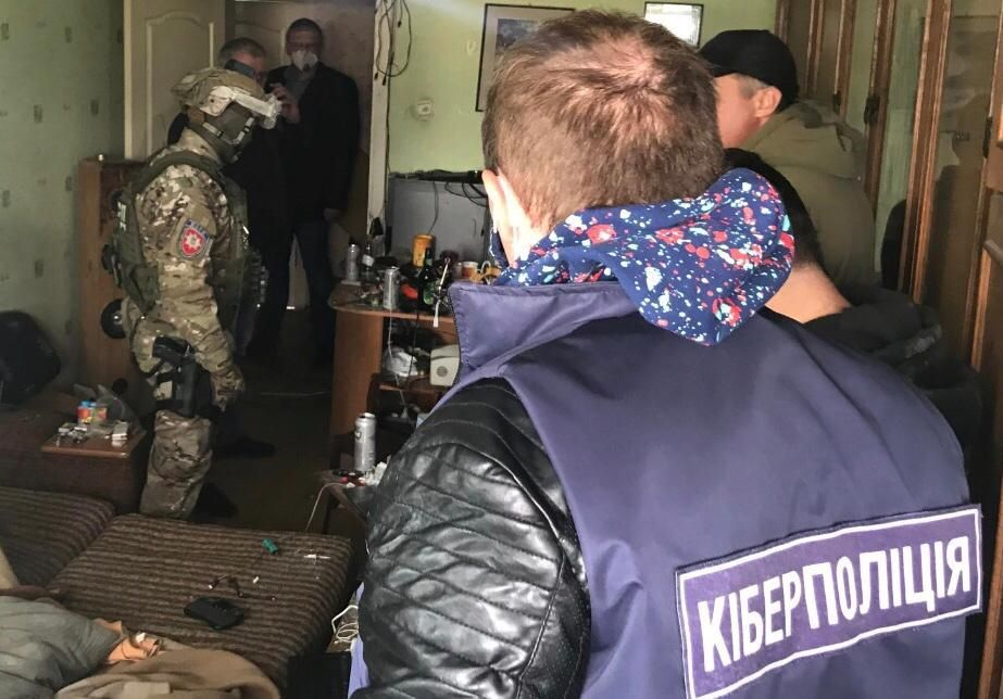 У Полтавській області викрили хакера, який викрадав персональні дані - кіберполіція